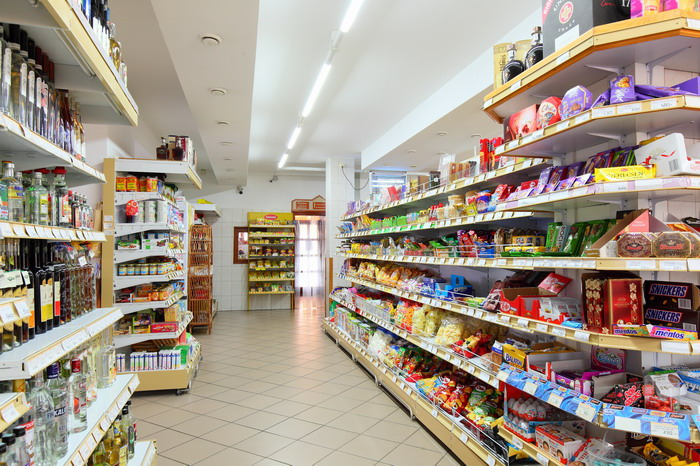 7d865a894f Révfülöpi üzletek boltok kereskedések a Balatonnál
